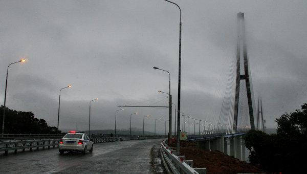 Моста на остров Русский
