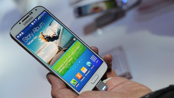 Смартфон Samsung Galaxy S IV