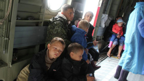 Эвакуация жителей из зоны подтопления в Амурской области