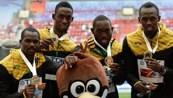 Ямайские спортсмены Неста Картер, Кемар Бэйли-Коул, Никел Ашмид и Усэйн Болт