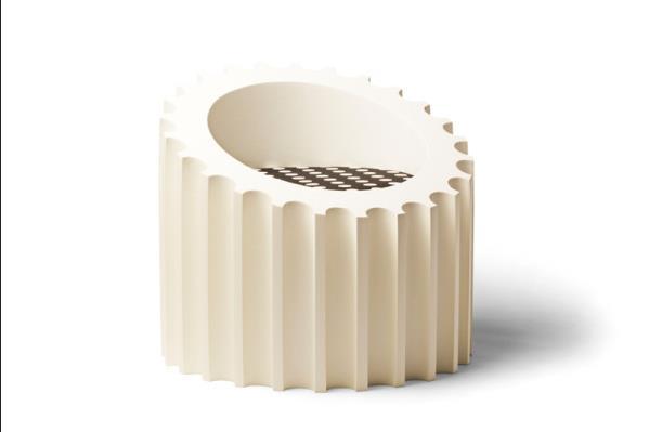 Средняя часть колонны - стул с мягким сиденьем