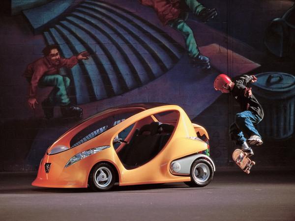 Компактный семейный автомобиль e-doll