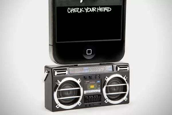 Mini Boombox Speaker System - звуковой усилитель для iPod в форме аудиомагнитофона