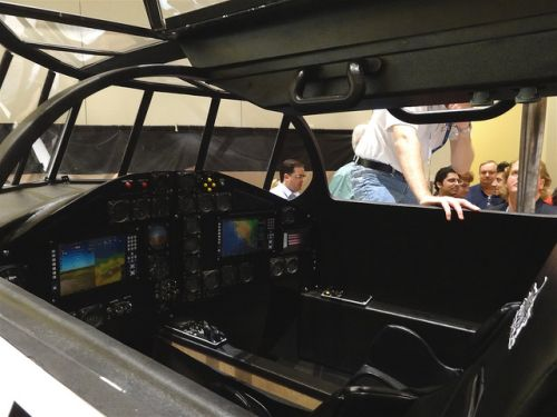 Кабина самолета Lynx Mark 1