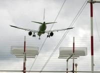 Самолет садится в Шереметьево. Архив