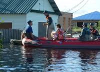Эвакуация жителей затопленных поселков в Амурской области