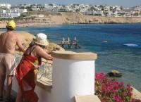 Туристы на курорте в Египте