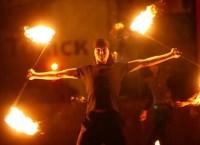 Огненное шоу. Архивное фото