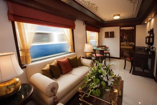 Гостиная в поезде