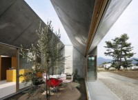 Дом-гармошка от Takeshi Hosaka Architects