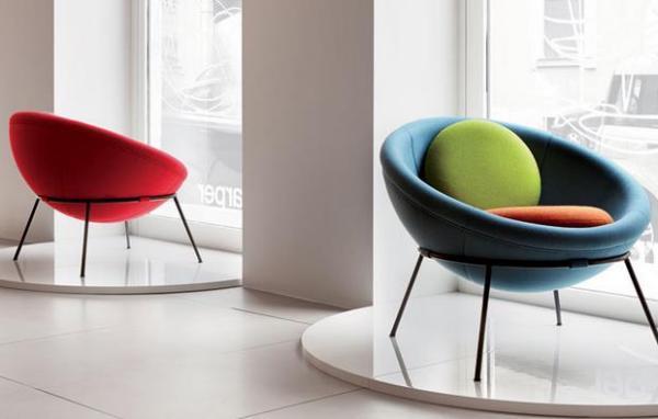 Lina Bo Bardi предложила свой вариант футуристического кресла Папасан