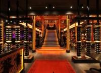 Уникальный деревянный интерьер лаунж-ресторана мировой сети Buddha-Bar в Санкт-Петербурге