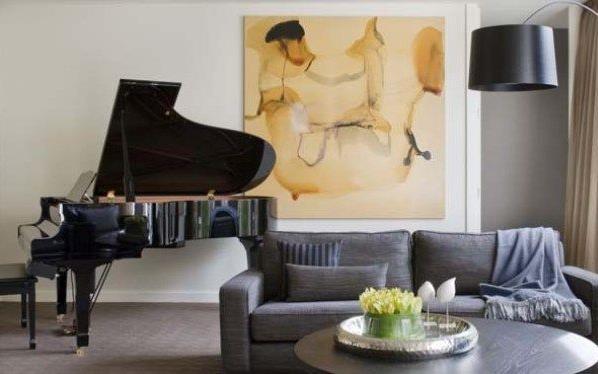 Роскошный рояль в гостиной