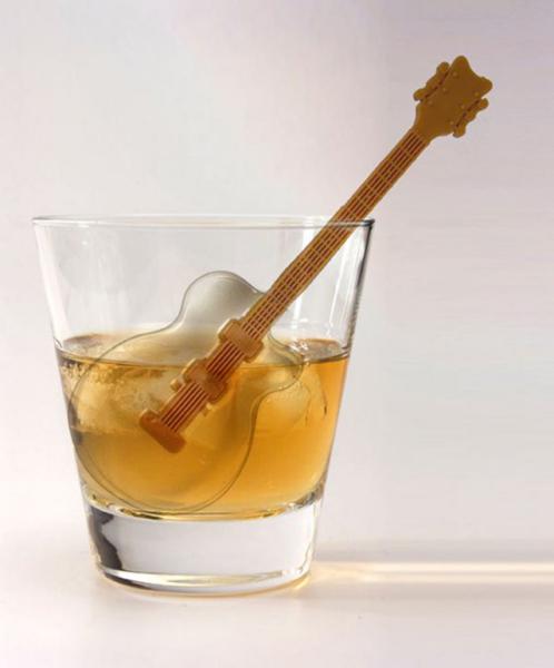 Ледяная гитара в бокале