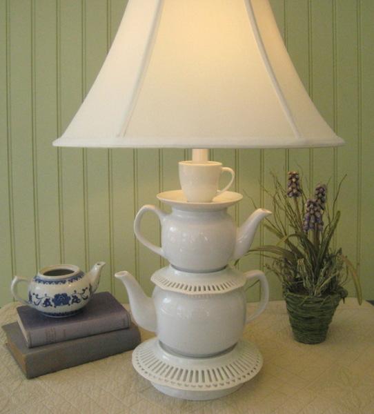 лампа из чайного сервиза