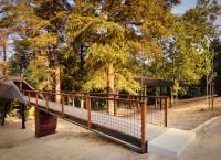 Snake Houses: эко-отель на сваях от португальских архитекторов