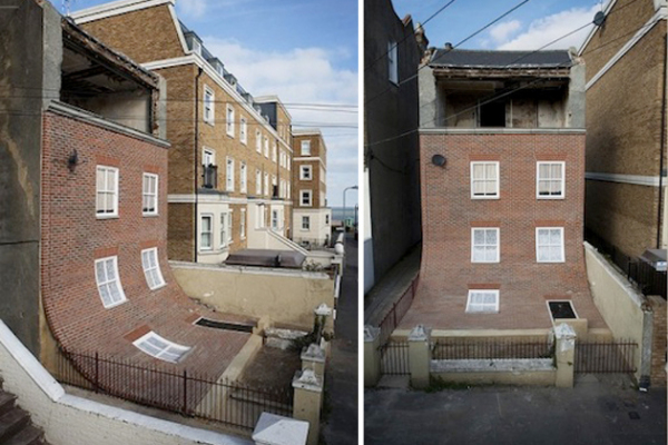 Дом со сползающим фасадом в Великобритании